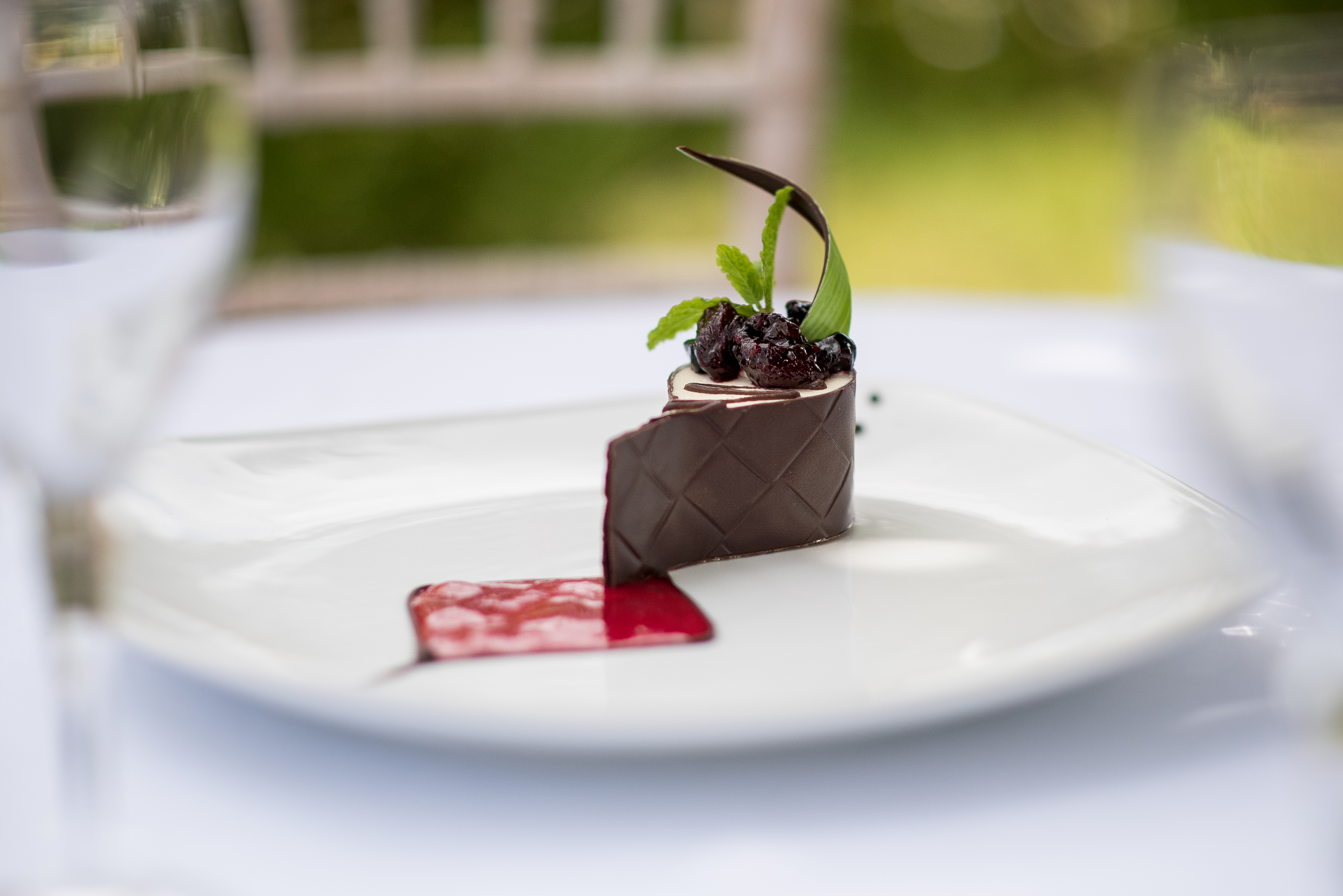 Kent Food Photographer - chocolate cake outdoors